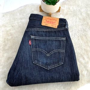 Levi's 501   Button Fly  Straight Jeans size 32/32